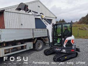 Bobcat E27 minigraver laster lastebilE27 compact excavator